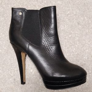 Isola woman's boot heels worn once great condition
